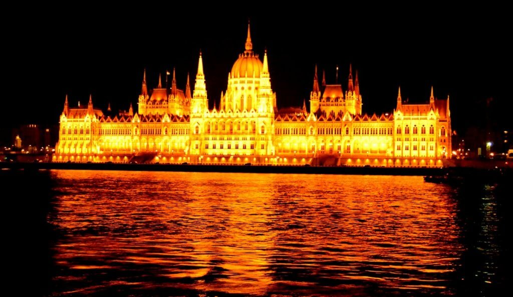 Parliament, Budapest - photo made by MiliMundo