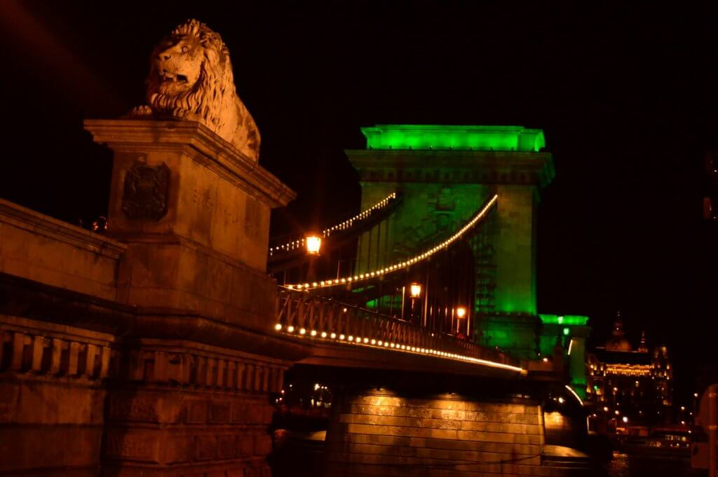 Chain Bridge, Budapest - photo made by MiliMundo
